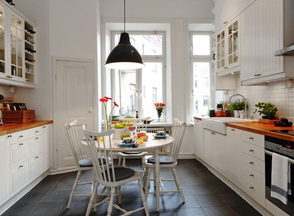 белая кухня с деревянной столешницей фото примеры фасадов