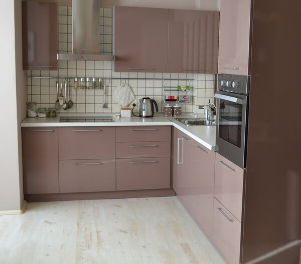 Кухня в цвете капучино