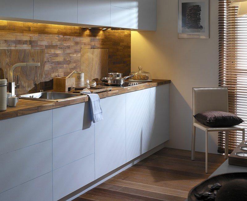 Дизайн кухни с плиткой на полу фото