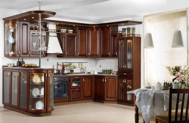 классическая кухня 13 м2