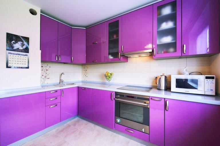 кухни фиолетового цвета 50 фото ярких интерьеров с мебелью