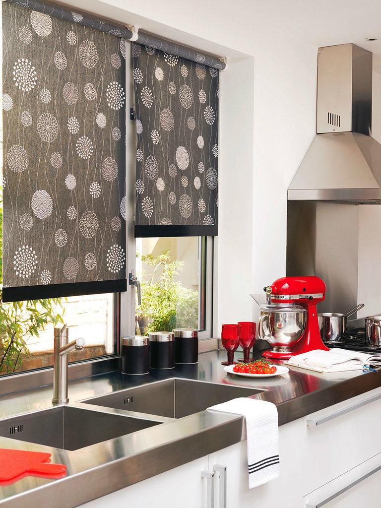 жалюзи на кухне 70 фото и современных идей для кухонного интерьера
