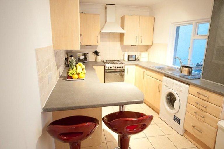 Дизайн мебель семей кухни