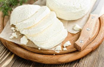Как правильно хранить сыр в холодильнике: подробное описание и советы