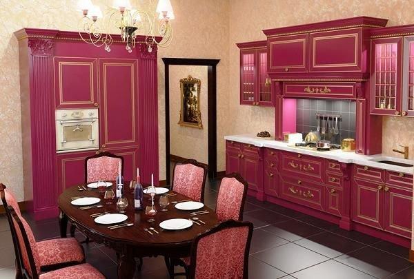 красная кухня в английском стиле