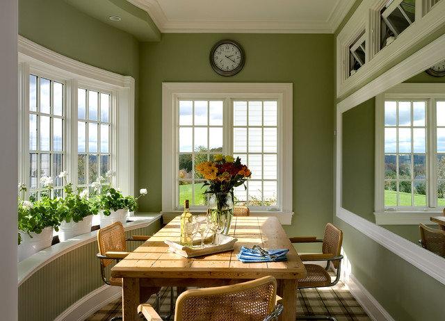 Классическая кухня в салатовом цвете